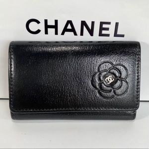 CHANEL 🌺 Camellia Leather Key 🔑 Case
